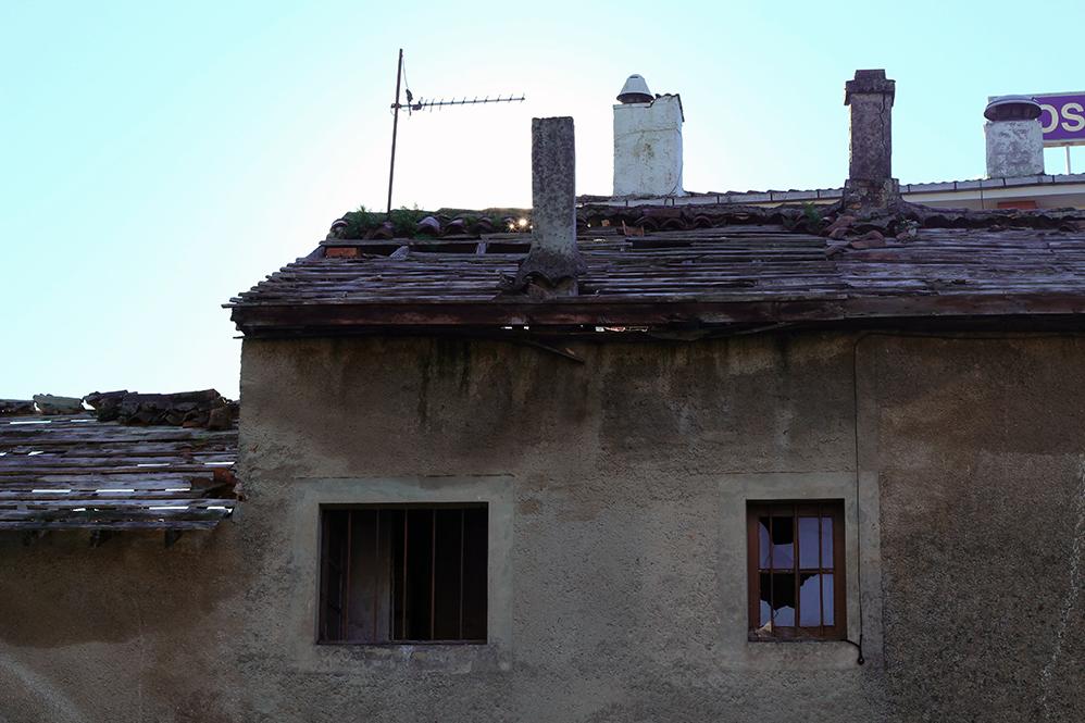 Casa abandonada junto a hostal fermín