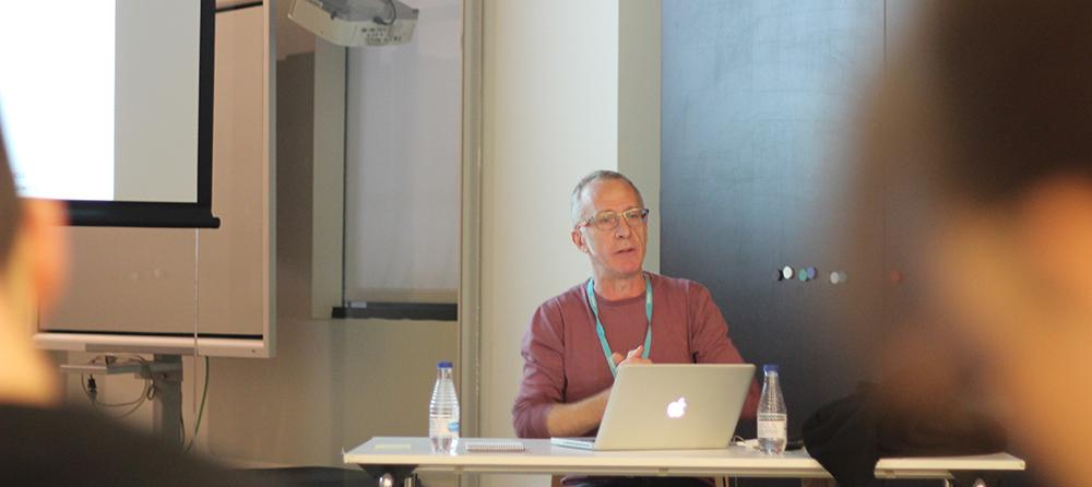 Yago Torroja en la Conferencia sobre Arte Generativo, Máquinas de Dibujar y Movimiento
