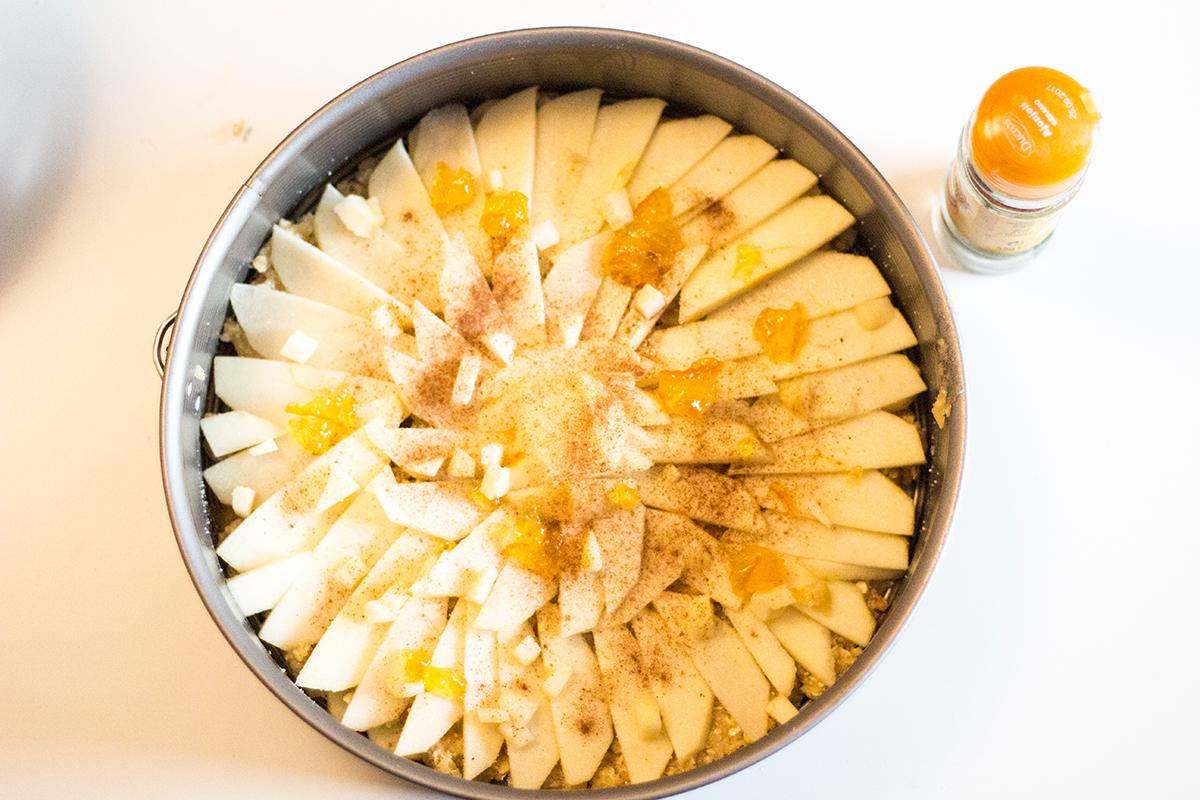 Tarta de manzana, canela y copos de avena - cobertura de manzana