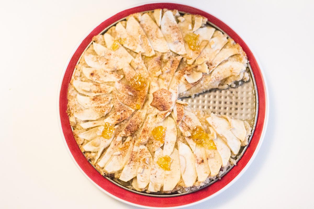 Tarta de manzana, canela y copos de avena